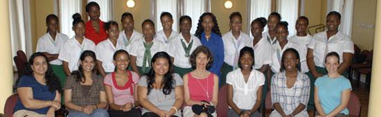 women-in-medicine-group